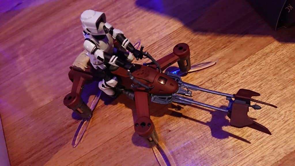 Star Wars 74-Z Speeder Bike you can see the clear propeller's under the drone