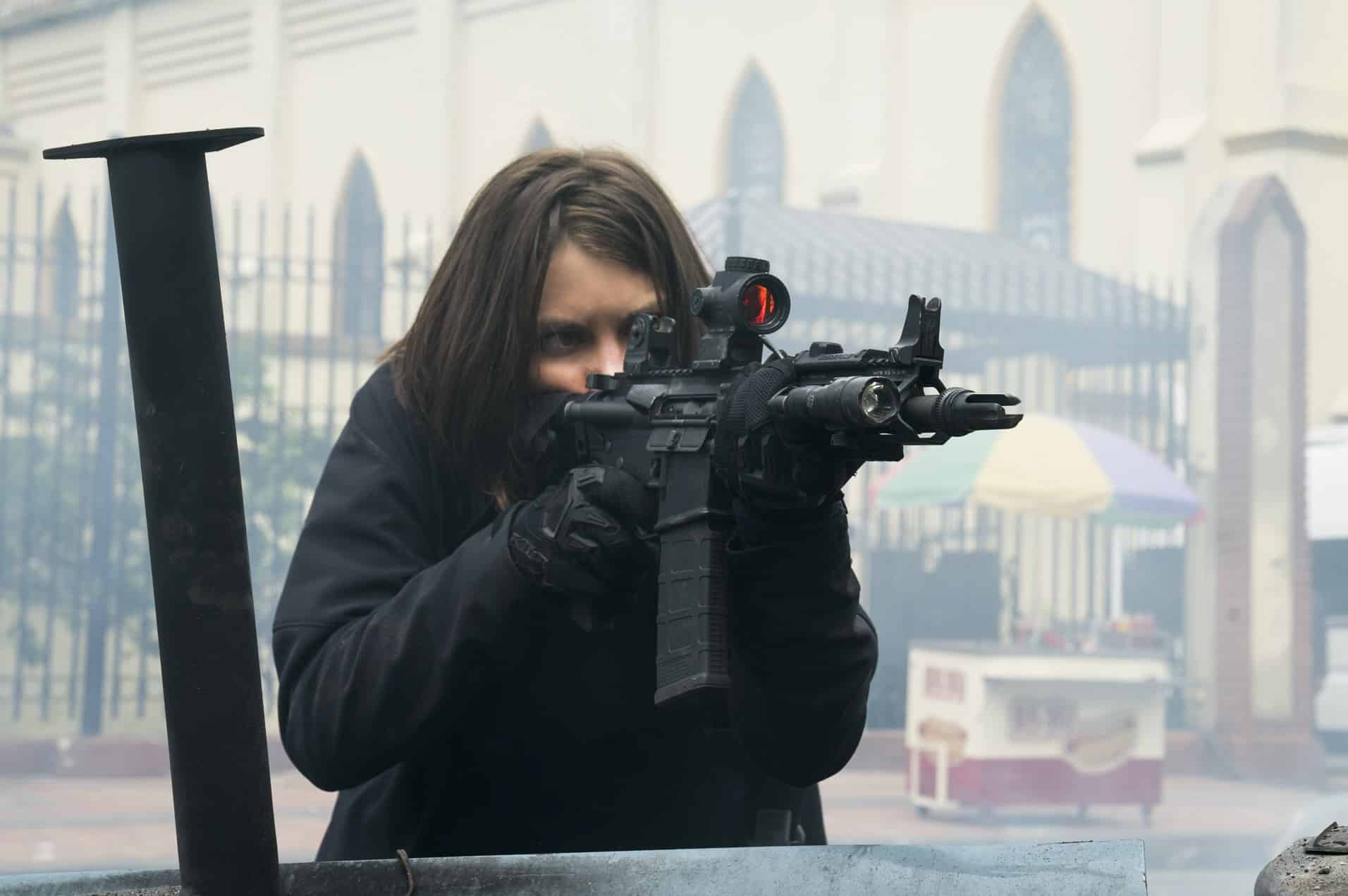 Lauren Cohan in Mile 22 - Mile 22 Review